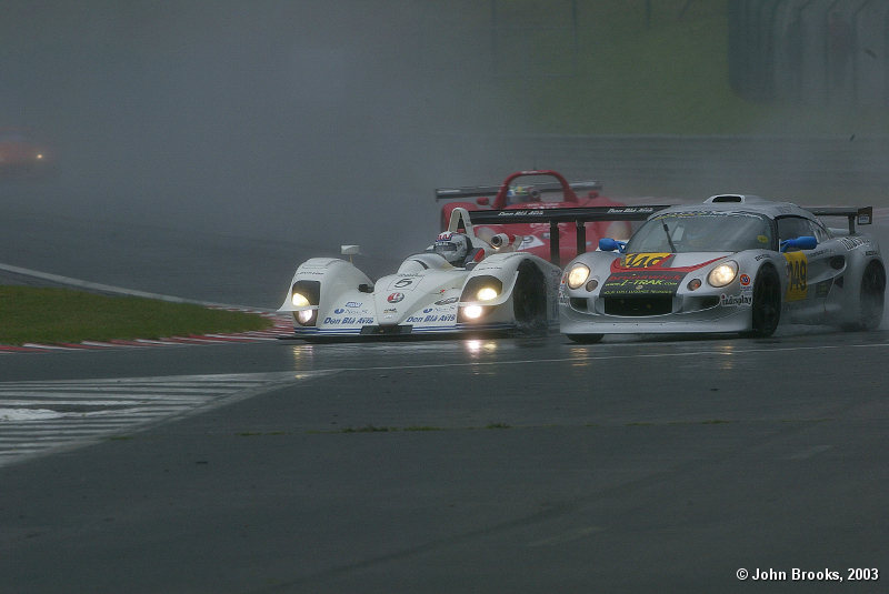 Traffic was a big problem in the rain for the front runners
