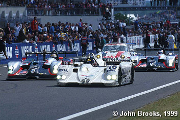 Pier-Luigi Martini takes the BMW across the line to win the 1999 Le Mans 24 Hours