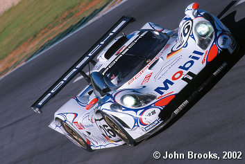 Allan McNish in the Porsche 911 GT1-98 at Road Atlanta for the inaugural Petit Le Mans
